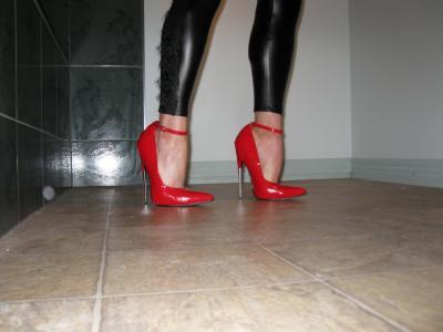 Copy (1) of heels 001.jpg