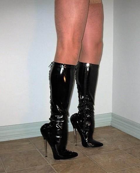 7 inch Knee High Boots 003 (633x640).jpg