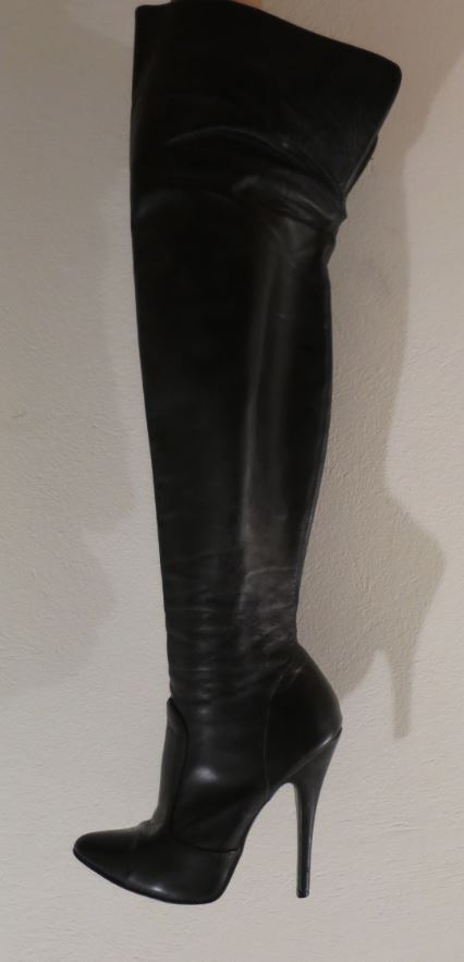 Elegant classic model thigh high